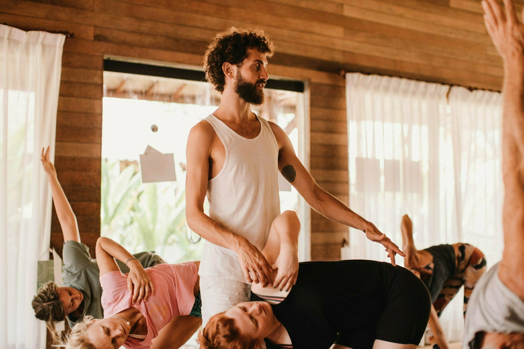 200hr yoga teacher training – Stefan Camilleri Yoga